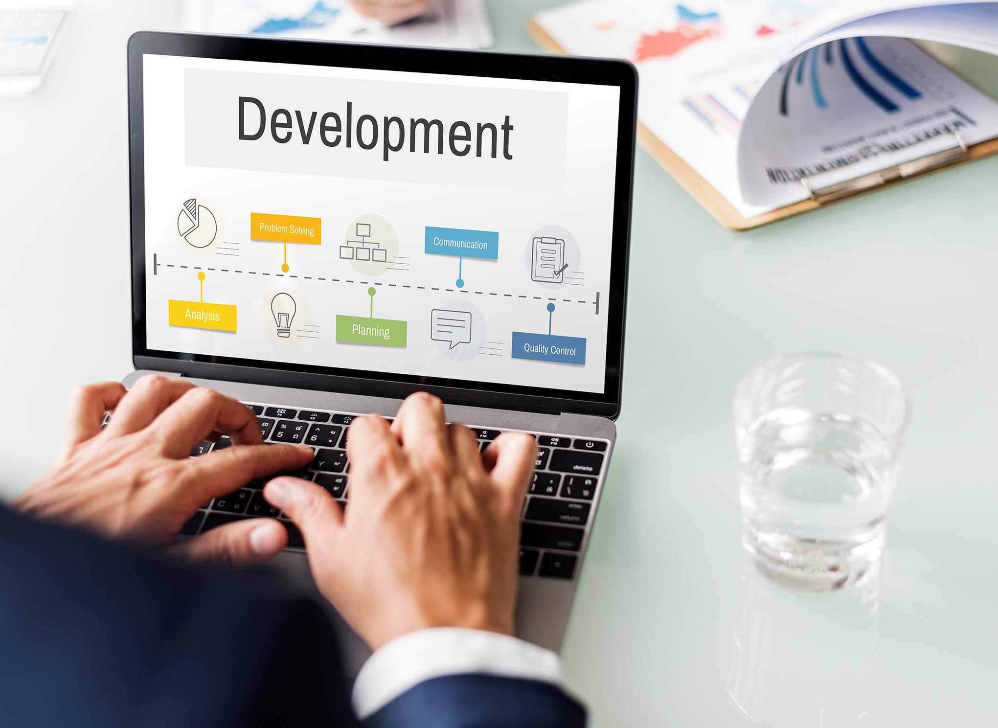 アプリケーション企画・開発事業